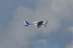 kumagorouさんが、那覇空港で撮影した日本個人所有 PA-28-140 Cherokeeの航空フォト(写真)