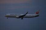 ウネウネさんが、成田国際空港で撮影した日本航空 767-346/ERの航空フォト(飛行機 写真・画像)
