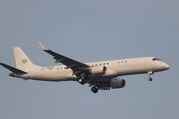 imosaさんが、羽田空港で撮影したアメリカ個人所有 ERJ-190-100 ECJ (Lineage 1000)の航空フォト(飛行機 写真・画像)