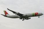 採れたてほしいもさんが、ロンドン・ヒースロー空港で撮影したTAPポルトガル航空 A340-312の航空フォト(写真)