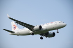 zibaさんが、福岡空港で撮影した中国東方航空 A320-251Nの航空フォト(写真)