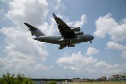 しゅあさんが、伊丹空港で撮影したアメリカ空軍 C-17A Globemaster IIIの航空フォト(写真)