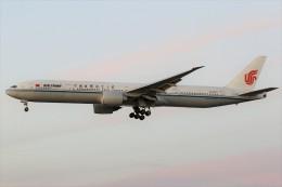 masa707さんが、ロサンゼルス国際空港で撮影した中国国際航空 777-39L/ERの航空フォト(飛行機 写真・画像)