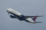飛行機ゆうちゃんさんが、羽田空港で撮影したデルタ航空 777-232/ERの航空フォト(写真)