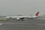 kumagorouさんが、羽田空港で撮影した日本航空 777-346の航空フォト(写真)