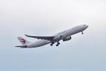 リンリンさんが、成田国際空港で撮影した中国東方航空 A330-343Xの航空フォト(写真)