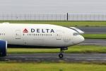 どらいすたーさんが、羽田空港で撮影したデルタ航空 777-232/LRの航空フォト(写真)