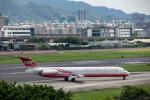 BENKIMAN-ENLさんが、台北松山空港で撮影した遠東航空 MD-83 (DC-9-83)の航空フォト(写真)