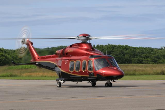 Tomochanさんが、鹿部飛行場で撮影した日本法人所有 AW139の航空フォト(飛行機 写真・画像)