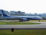PW4090さんが、伊丹空港で撮影した全日空 777-381/ERの航空フォト(写真)