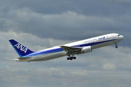 岡ちゃんさんが、中部国際空港で撮影した全日空 767-381/ERの航空フォト(飛行機 写真・画像)
