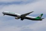 MOHICANさんが、福岡空港で撮影したエバー航空 777-35E/ERの航空フォト(写真)