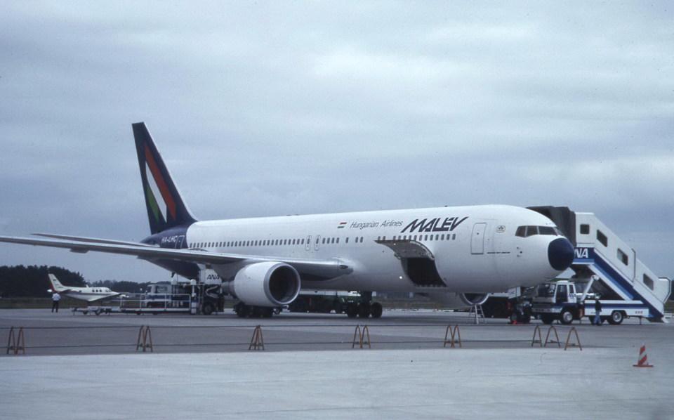 kumagorouさんのマレーヴ・ハンガリー航空 Boeing 767-300 (HA-LHC) 航空フォト