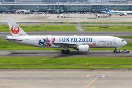 まくろすさんが、羽田空港で撮影した日本航空 777-246の航空フォト(飛行機 写真・画像)