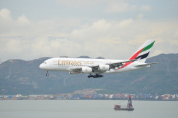 溝川 眞司さんが、HONGKONGで撮影したエミレーツ航空 A380-861の航空フォト(飛行機 写真・画像)