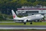 Mochi7D2さんが、成田国際空港で撮影した日本航空 737-846の航空フォト(写真)