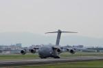 mild lifeさんが、伊丹空港で撮影したアメリカ空軍 C-17A Globemaster IIIの航空フォト(写真)
