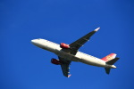 T.Sazenさんが、関西国際空港で撮影した吉祥航空 A320-214の航空フォト(飛行機 写真・画像)