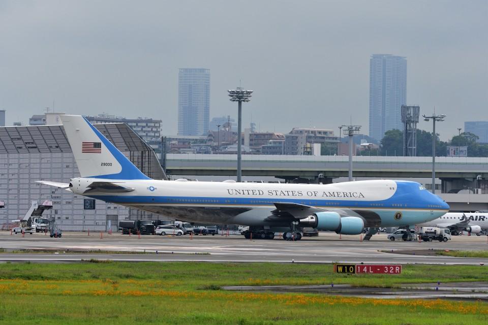 T.Sazenさんのアメリカ空軍 Boeing 747-200 (92-9000) 航空フォト