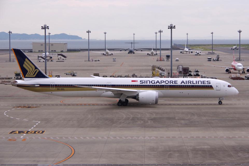 yabyanさんのシンガポール航空 Boeing 787-10 (9V-SCL) 航空フォト