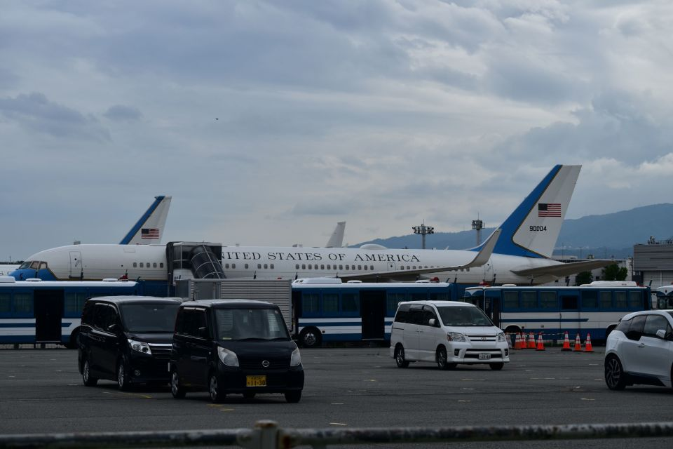 JAA DC-8さんのアメリカ空軍 Boeing 757-200 (99-0004) 航空フォト
