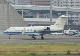 ふうちゃんさんが、伊丹空港で撮影した航空自衛隊 U-4 Gulfstream IV (G-IV-MPA)の航空フォト(飛行機 写真・画像)