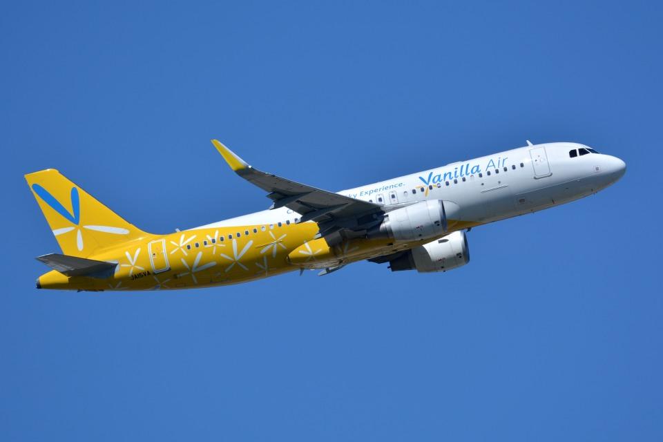 サンドバンクさんのバニラエア Airbus A320 (JA15VA) 航空フォト