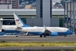 T.Sazenさんが、伊丹空港で撮影したアメリカ空軍 C-40B BBJ (737-7CP)の航空フォト(飛行機 写真・画像)