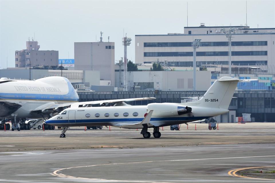 T.Sazenさんの航空自衛隊 Gulfstream Aerospace G-IV (95-3254) 航空フォト