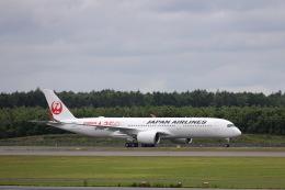 funi9280さんが、新千歳空港で撮影した日本航空 A350-941XWBの航空フォト(写真)