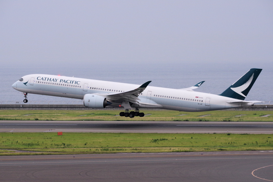 yabyanさんのキャセイパシフィック航空 Airbus A350-1000 (B-LXF) 航空フォト