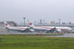 リクパパさんが、伊丹空港で撮影した航空自衛隊 777-3SB/ERの航空フォト(飛行機 写真・画像)