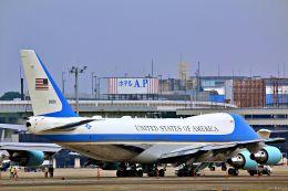 Jin Bergqiさんが、伊丹空港で撮影したアメリカ空軍 VC-25A (747-2G4B)の航空フォト(写真)