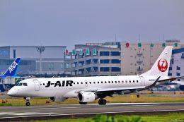 Jin Bergqiさんが、伊丹空港で撮影したジェイ・エア ERJ-190-100(ERJ-190STD)の航空フォト(写真)