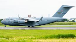 pinama9873さんが、伊丹空港で撮影したアメリカ空軍 C-17A Globemaster IIIの航空フォト(飛行機 写真・画像)