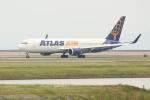 OMAさんが、岩国空港で撮影したアトラス航空 767-375/ERの航空フォト(飛行機 写真・画像)