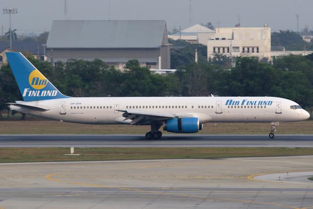 Hariboさんが、ドンムアン空港で撮影したエア・フィンランド 757-28Aの航空フォト(飛行機 写真・画像)