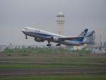 ここはどこ?さんが、新千歳空港で撮影した全日空 767-381/ERの航空フォト(写真)