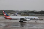 KAZFLYERさんが、成田国際空港で撮影したアメリカン航空 777-223/ERの航空フォト(写真)