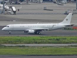 チャレンジャーさんが、羽田空港で撮影したアメリカ個人所有 ERJ-190-100 ECJ (Lineage 1000)の航空フォト(飛行機 写真・画像)