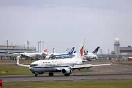 funi9280さんが、新千歳空港で撮影した中国国際航空 737-89Lの航空フォト(写真)