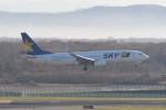 kuro2059さんが、新千歳空港で撮影したスカイマーク 737-8FHの航空フォト(写真)