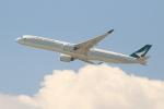 OMAさんが、香港国際空港で撮影したキャセイパシフィック航空 A350-1041の航空フォト(飛行機 写真・画像)