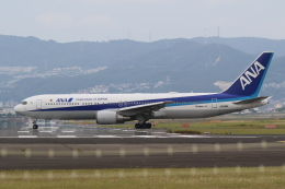 airdrugさんが、伊丹空港で撮影した全日空 767-381/ERの航空フォト(飛行機 写真・画像)