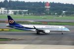 T.Sazenさんが、成田国際空港で撮影したマンダリン航空 ERJ-190-100 IGW (ERJ-190AR)の航空フォト(飛行機 写真・画像)