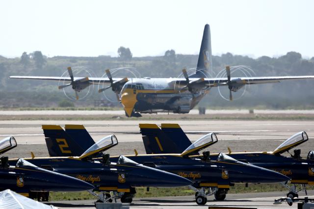 AkiChup0nさんが、ミラマー海兵隊航空ステーション で撮影したアメリカ海兵隊 C-130T Herculesの航空フォト(飛行機 写真・画像)