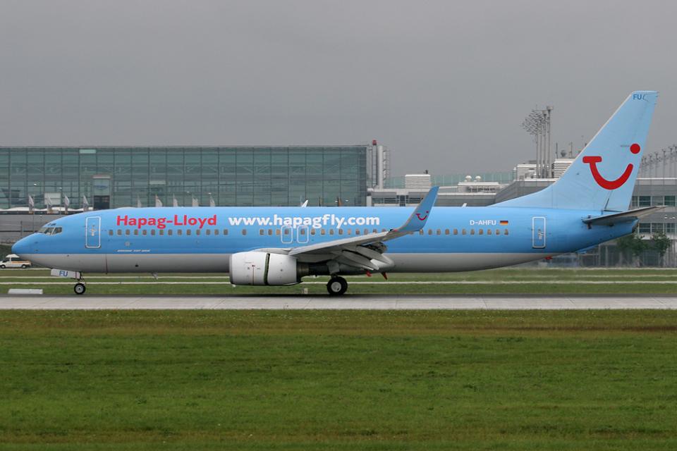 Hariboさんのハパック ロイド フルーク Boeing 737-800 (D-AHFU) 航空フォト
