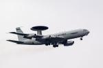 ファントム無礼さんが、横田基地で撮影したアメリカ空軍 E-3B Sentry (707-300)の航空フォト(写真)