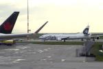 senyoさんが、バンクーバー国際空港で撮影したアラスカ航空 737-4Q8の航空フォト(写真)