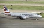 planetさんが、ダラス・フォートワース国際空港で撮影したアメリカン・イーグル ERJ-170-200 LR (ERJ-175LR)の航空フォト(飛行機 写真・画像)